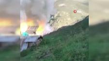 Gümüşhane'de çıkan yangında 2 ev ve ahır kullanılamaz hale geldi