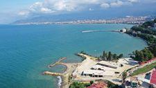 Ordu'da 17 katlı gökdelenin yıkıldığı kumsal halka açıldı