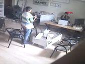 Osmaniye'de hırsızlık için girdikleri iş yerinde fotoğraf çekip eğlenmişler