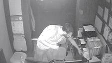 Taksim'de otel görevlisi uyurken hırsızlık yaptılar