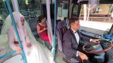 Tanıştıkları Halk otobüsünü gelin arabası yaptı