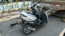 Bursa'da otomobil ile çarpışan motosiklet parçalara ayrıldı