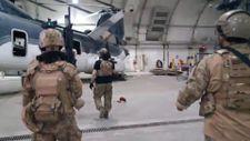 Taliban, ABD'nin kullandığı hangara girdi