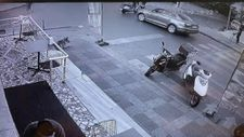 Ümraniye'de bebek arabasına motosiklet çarptı
