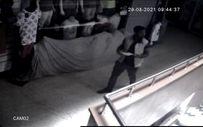 Zonguldak'ta akli dengesi yerinde olmayan şahıs 2 dükkanı soydu