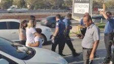 Denizli'de araçtaki oğluyla 1 saat polislerden kaçtı