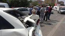 Kırıkkale'de freni boşalan vinç, kırmızı ışıkta bekleyen araçlara çarptı