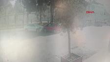 Bakırköy'de otomobillerin kafa kafaya çarpışma anları kamerada