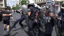 Atina'da protestocu öğrencilere sert müdahale