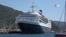 Dev yolcu gemisi sadece 7 saatliğine Marmaris'e geldi