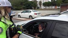 Samsun'da trafik polisleri modifiyeli ve abartı egzozlu araba avına çıktı