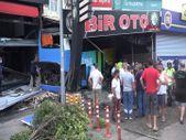 Antalya'da otobüs, otomobile ve iki işyerine çarptı