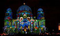 Berlin'de ışık festivali büyüledi