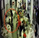 Bursa'da, düğün salonunda oynayarak hırsızlık yaptılar