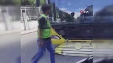 Esenyurt'ta, İETT otobüsü ile çarpışan motokurye etrafa saldırdı