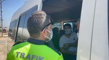 Şanlıurfa polisinden yolculara koronavirüs aşısı daveti