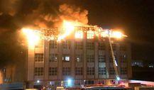 Arnavutköy'de fabrikada yangın çıktı