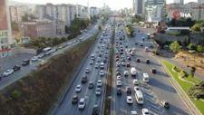 İstanbul'da trafik mesaisi başladı