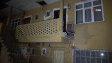 Karabük'te yaslandıkları balkon duvarı yıkıldı, 6 metreden aşağıya düştüler