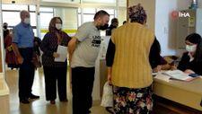 PCR kararının ardından aşı yaptırmak için hastaneye akın ettiler