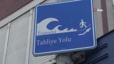 Büyükçekmece'de 'Tsunami Tahliye Yolu' tabelaları asıldı
