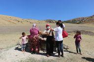 Bitlis'te aşı timleri çadırlarda yaşayan göçerlere ulaştı