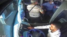 Bingöl'de halk otobüsü şoförü, baygınlık geçiren yolcuyu hastaneye böyle yetiştirdi