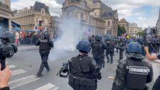 Fransa'da koronavirüs protestosunda göstericiler polisle çatıştı