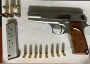 Beykoz'da ruhsatsız tabanca baskını