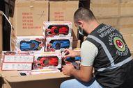 İzmir'de kaçak oyuncak operasyonu