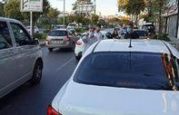 Kağıthane'de yol tartışması: 2 yaşındaki çocuğun bulunduğu otomobilin camını taşladı
