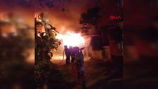 Adana'da iki kişi benzin döktükleri evi ateşe verdiler