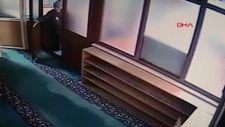 Kadıköy'de camiyi yakmaya çalışan şüpheli