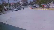 Konya'da mazgal demiri çalan hırsız kaçarken polis aracına çarptı