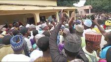 Kamerun'da Müslümanlara haç kolyesi takın baskısı