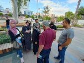 Antalya'da Filistinli aile, içinde para ve ziynet eşyaları olan çantayı parkta unuttu