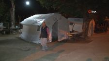 Denizli'de deprem sonrası ağır hasarlı tespit edilen evdeki 10 kişi çadıra yerleştirildi
