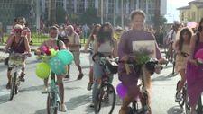 İzmir'de Süslü Kadınlar, pedal çevirdi
