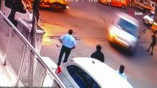 Maltepe'de, hızla gelen araç otobüs bekleyen öğrenciyi havaya savurdu