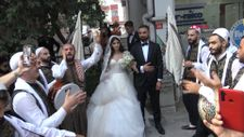 Avcılar'daki gelin ve damat, Filistin gelenekleriyle uğurlandı