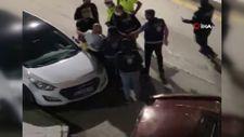 Erzurum'da alkollü baba polislerle tartışıp, lastiği patlak araçla kaçtı