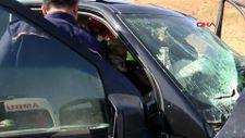Tuzla'da kaza yapan cip sürücüsü, aracın içinde sıkıştı