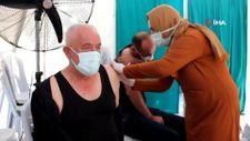 Manisa'da belediyenin teşvikiyle aşı oldular hediyeleri kaptılar