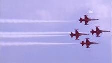 Türk Yıldızları, TEKNOFEST kapsamında gösteri uçuşu gerçekleştirdi