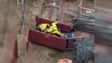 Tuzla'da, zehirlenen işçilerin yardımına giderken akıma kapıldı