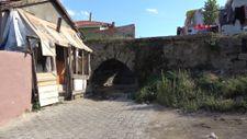 Edirne'de tarihi köprü, çarpık kentleşmenin kurbanı oldu