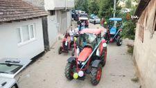 İnegöl'de görenleri şaşırtan traktörlü sünnet konvoyu