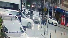 Küçükçekmece'de, otomobil okul yolundaki öğrenciye çarptı