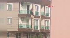 Mersin'de bir kadın ikinci kattan düştü