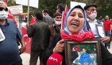 Van'da evlat nöbetindeki anne: Anneler kazanacak, HDP yerin dibine girecek